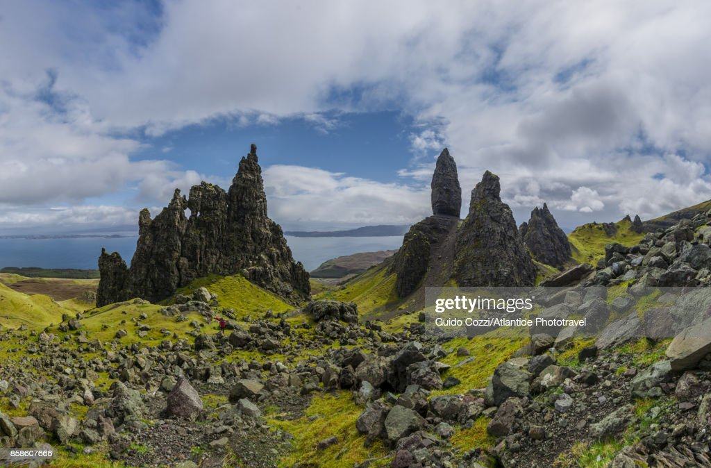 Landscape around Old Man of Storr, monolithic rock near Portree : Stock-Foto