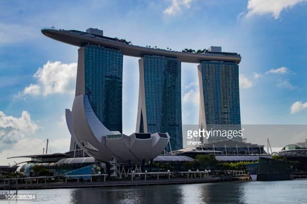 landscape at marina bay, singapore - marina bay sands skypark stock pictures, royalty-free photos & images