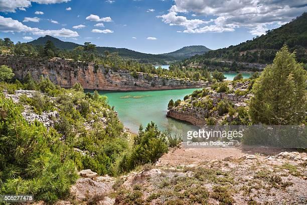 landscape at serrania de cuenca natural park in spain - cuenca provincia de cuenca fotografías e imágenes de stock