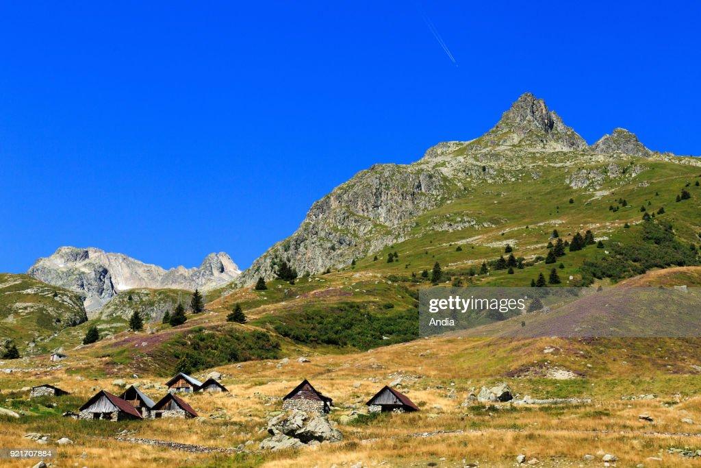 Landscape between the mountains passes Col de la Croix de Fer and Col du Glandon. : News Photo
