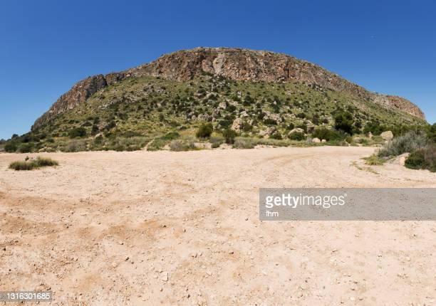 landscape in spain - spanien fotografías e imágenes de stock