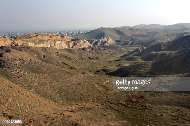 landscape in the kurdistan region of iraq (between erbil and dahuk). - iraq stock pictures, royalty-free photos & images