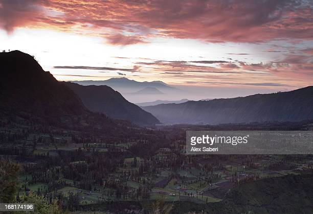 landscape near mount bromo in bromo tengger semeru national park. - alex saberi fotografías e imágenes de stock
