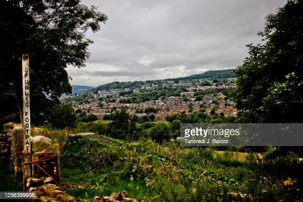 landscape of derbyshire - bavosi stock pictures, royalty-free photos & images