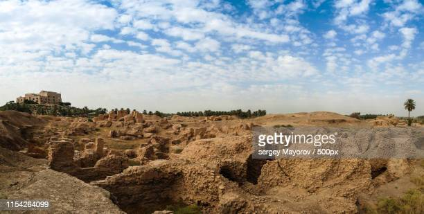 landscape of desert - iraq stock pictures, royalty-free photos & images