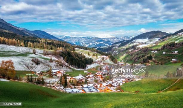 landscape of dolomite - alto adige imagens e fotografias de stock