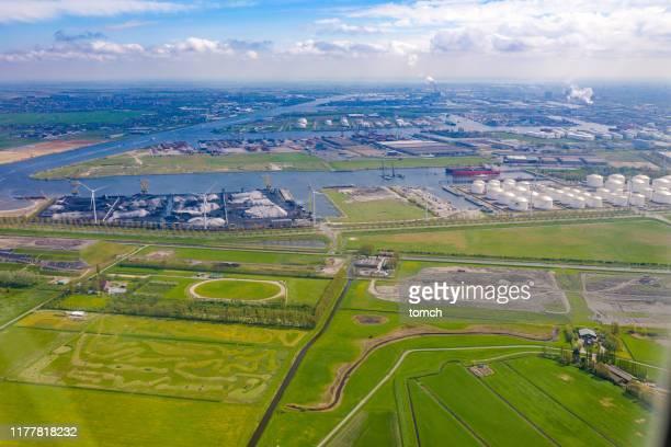 landschap van industrieel deel van amsterdam. - noord holland stockfoto's en -beelden