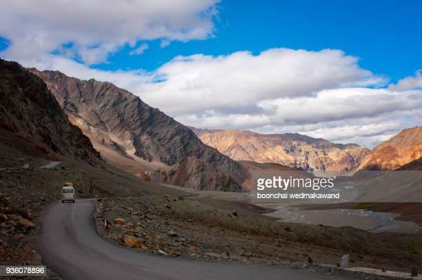landscape of leh, ladakh, north of india - india summer fotografías e imágenes de stock