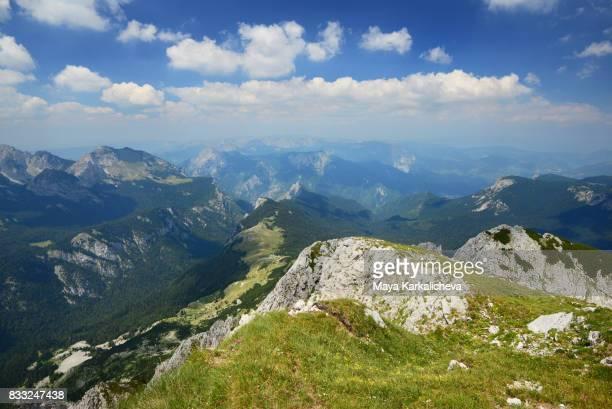 landscape of maglic mountain, bosnia & herzegovina - bosnien und herzegowina stock-fotos und bilder