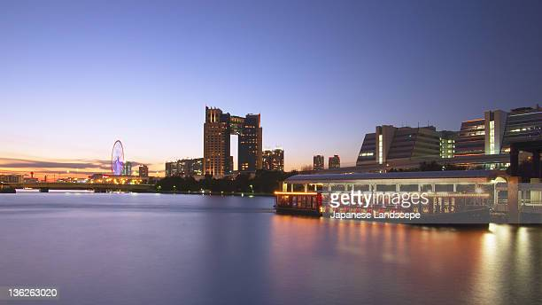 landscape of odaiba, tokyo - tokyo big sight stock photos and pictures