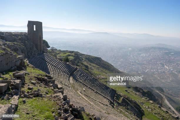 landscape of ruin temple  trajan acropolis pergamon - cavallo di troia foto e immagini stock