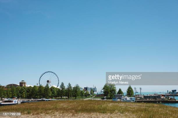 """landscape of the chicago navy pier - """"marilyn nieves"""" stock pictures, royalty-free photos & images"""