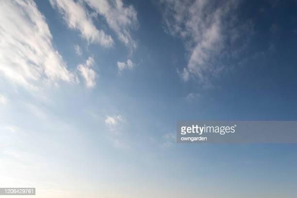 landscape of the clear sky - alleen lucht stockfoto's en -beelden