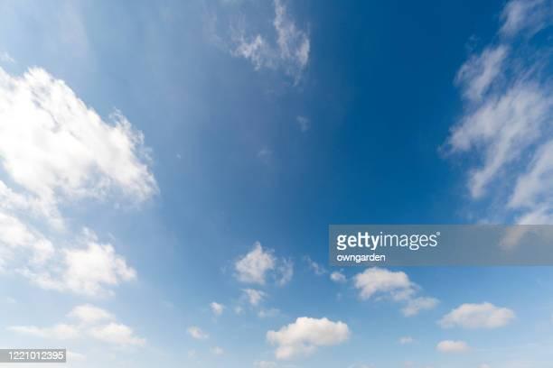 landscape of the clear sky - low angle view - fotografias e filmes do acervo