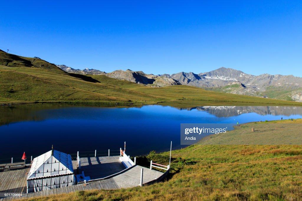 Lake 'lac de l'Ouilette'. : News Photo