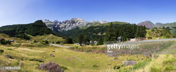 landscape panorama in the french pyrenees - ピレネーアトランティーク ストックフォトと画像