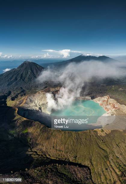 ​landscape view of kawah ijen at sunrise. the famous tourist attraction in indonesia. - east java province stock pictures, royalty-free photos & images