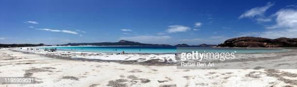 landscape view of lucky bay in cape le grand western australia - rafael ben ari imagens e fotografias de stock