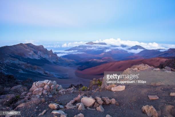 landscape with east maui volcano - gerold guggenbuehl stock-fotos und bilder