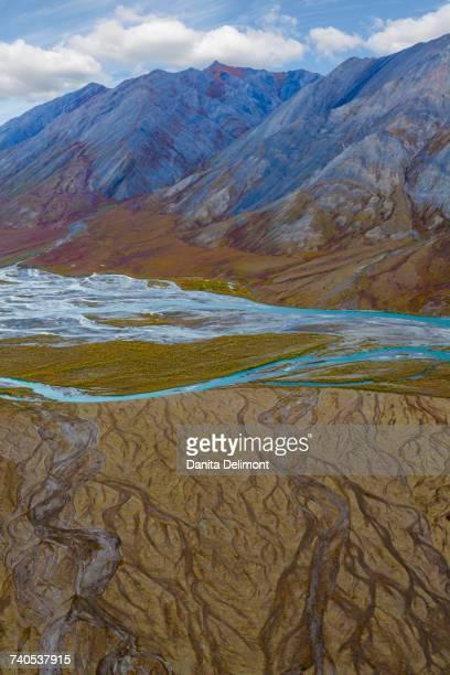 landscape with ivishak river and brooks range in arctic national wildlife refuge, alaska, usa - 国立野生生物保護区 ストックフォトと画像
