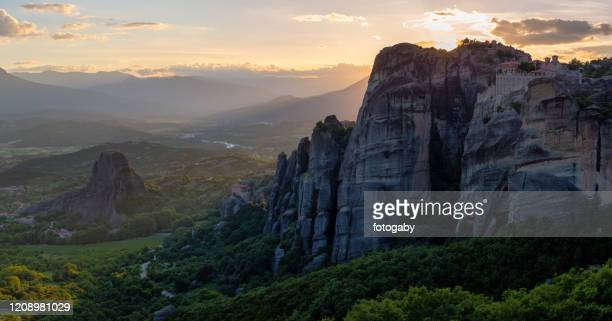 landscape with monasteries and rock formations in meteora, greece - thessaly stock pictures, royalty-free photos & images