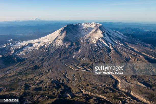 landscape with mount st. helens volcano - mount st. helens ストックフォトと画像