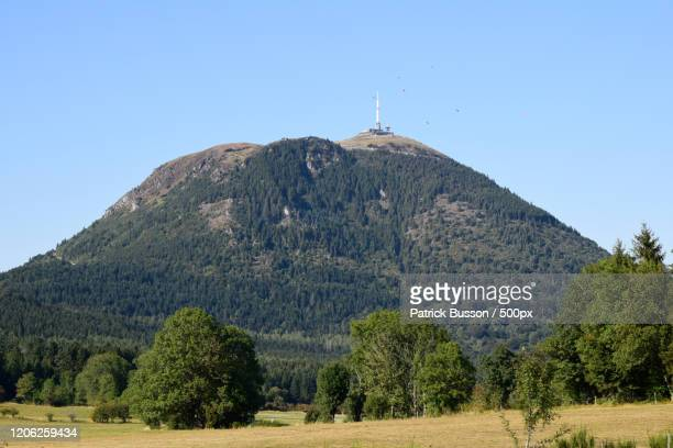 landscape with volcano, orcines, auvergne, france - auvergne rhône alpes stock pictures, royalty-free photos & images