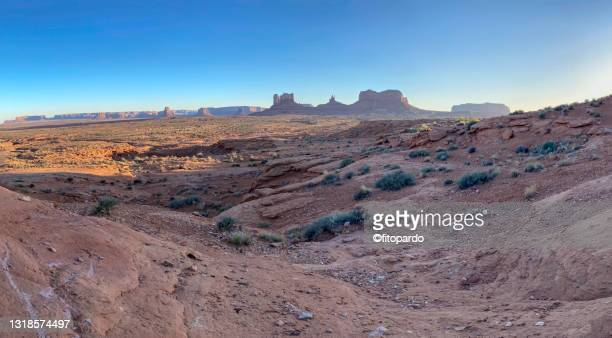 landscaped shot of valley of the gods in utah - fitopardo stock pictures, royalty-free photos & images