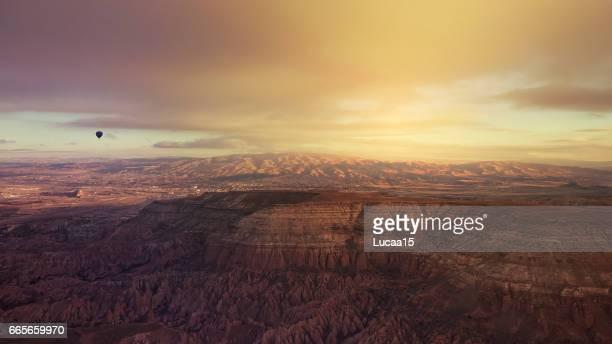 landschaft von kappadokien - landschaft stock pictures, royalty-free photos & images