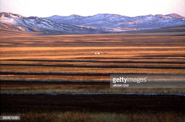 Landschaften und Menschen in der Mongolei unter kommunistischer Herrschaft