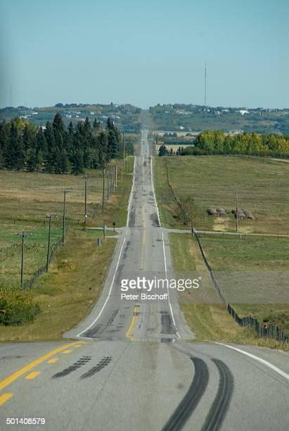Landstraße bei Calgary, Alberta, Kanada, Nordamerika, Straße, Reise, BB, DIG; P.-Nr. 1379/2007, ;