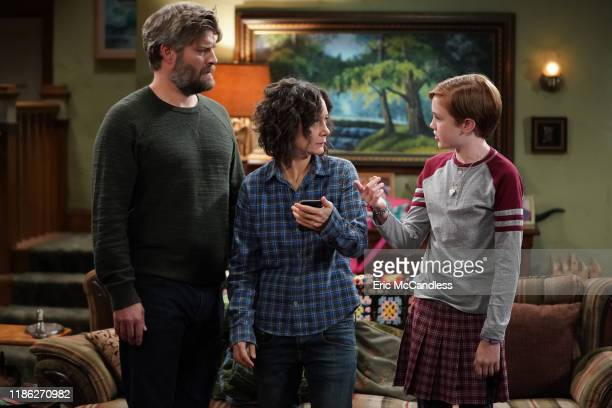 THE CONNERS Lanford Toilet of Sin Jackie is faced with a difficult decision that brings the family and community together Meanwhile Becky starts...