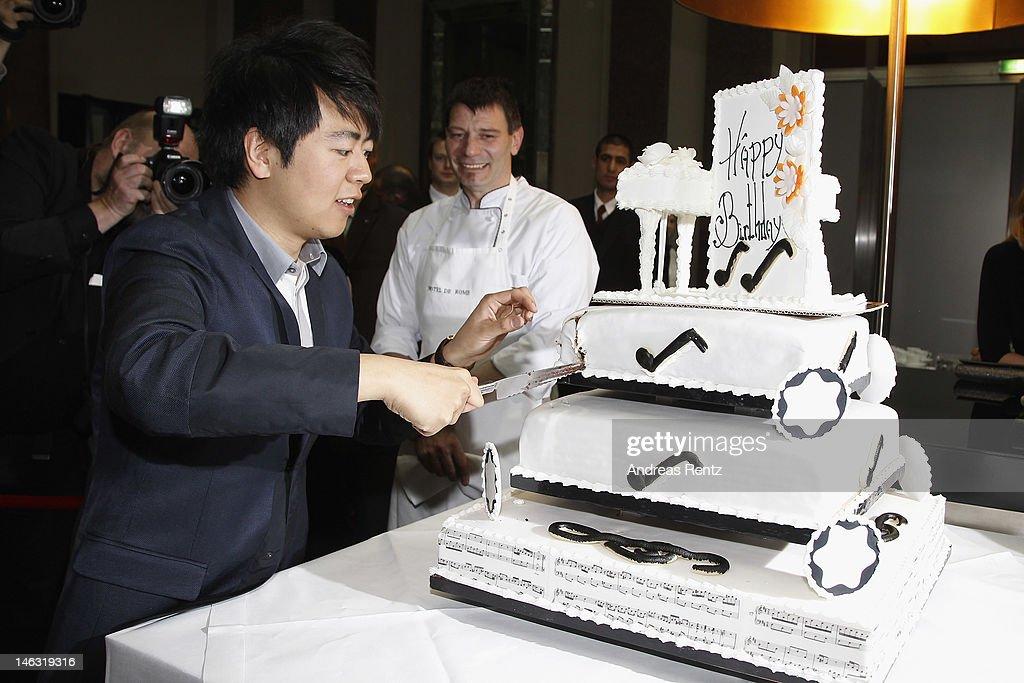 Αποτέλεσμα εικόνας για lang lang birthday cake