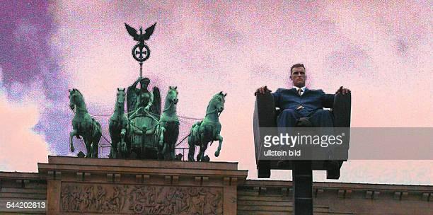 16 Lange Nacht der Museen ISLAND RefleCity eine Grossplastik des französischen Künstlers Armel Réau Unter den Linden in BerlinMitte Vor dem...