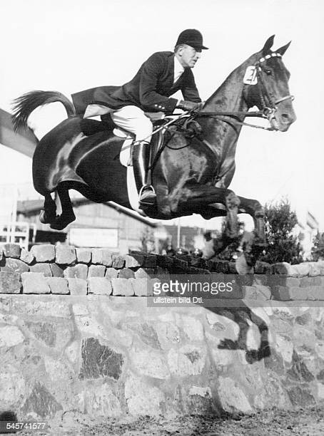 Langen CarlFriedrich Freiherr von Sportsman Showjumper Germany with his horse 'Hanko' Winner of 5th German JumpingDerby in Hamburg Klein Flottbek...