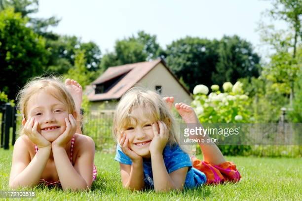 Langeweile in den Sommerferien Lust auf Langeweile Familie Zosel Kinder Frau Pool Sonne Sonnenschein Ferien Urlaub eigener Garten