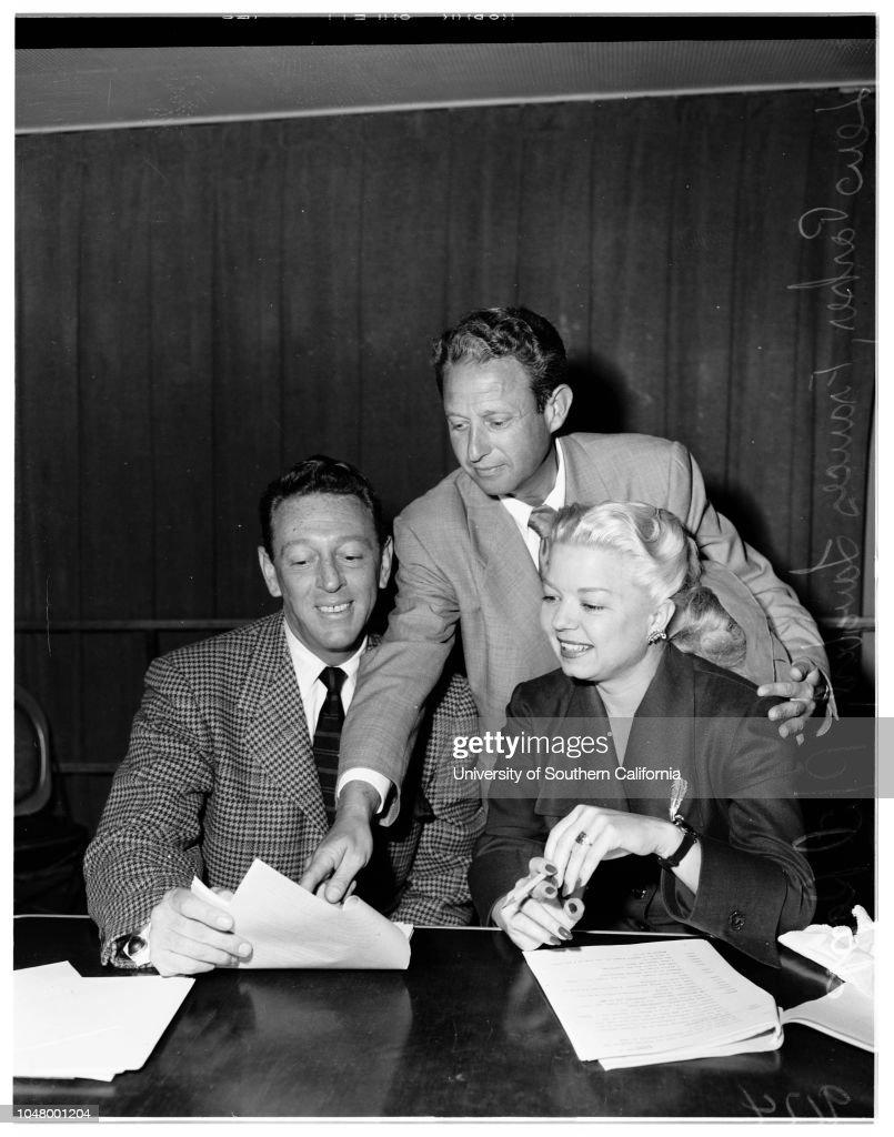 Langford radio series, 1951 : News Photo
