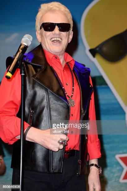 Langnese feiert seinen 80 Geburtstag mit Einer Grossen StrandPartei Heino Gibt Ein MiniKonzert nbspBeachcenter HamburgWandsbek Heino ist ein...