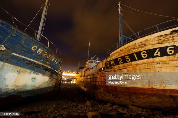 langoustiniers du port de camaret - camaret sur mer photos et images de collection