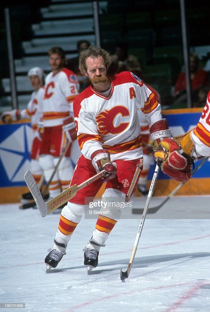 lanny-mcdonald-of-the-calgary-flames-war