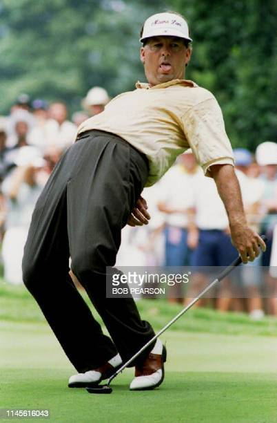 Lanny Wadkins of the U.S. Watches as his putt for birdie on the 12th hole fails to drop 13 August 1993 during second round play at the 1993 PGA...