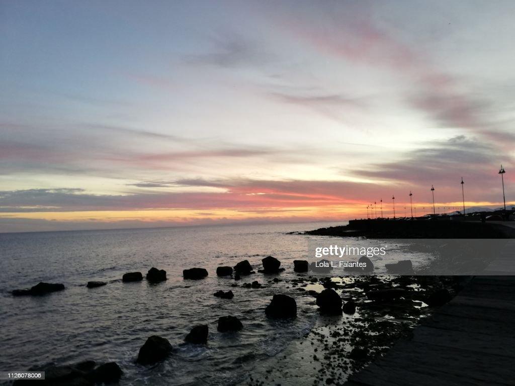 Lanzarote coastline at sunset : Foto de stock
