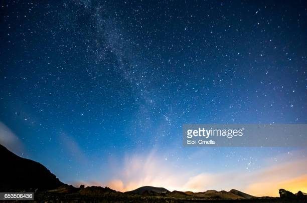 lanzarote night sky milky way - hill stock pictures, royalty-free photos & images