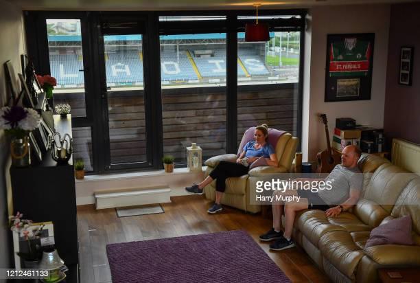 Laois Ireland 9 May 2020 BorrisKilcotton hurler Brian Stapleton Laois and Johnstownbridge camogie player Róisín Stapleton Kildare watch TV in their...