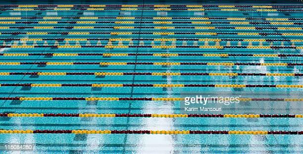 lap swimming pool - スポーツ用語 ラップ ストックフォトと画像