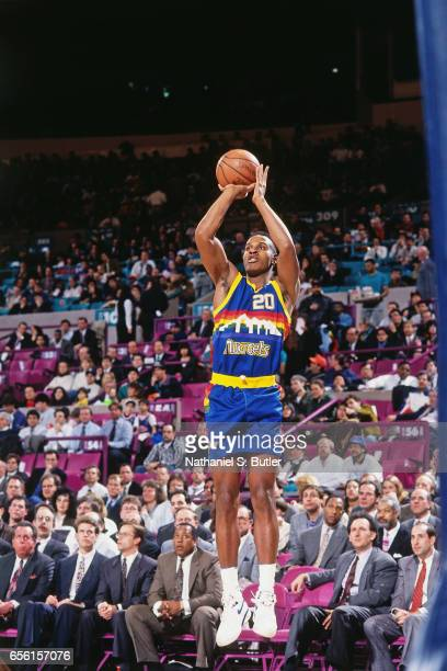 Laphonso Ellis of the Denver Nuggets shoots against the New York Knicks during a game played circa 1993 at the Madison Square Garden in New York City...