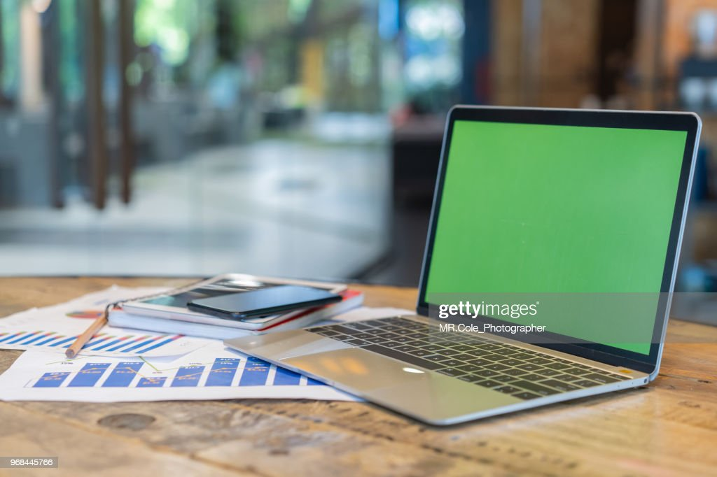 laptop mock up with screen in coffee shop : ストックフォト