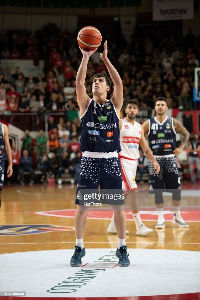-8 Laquintana Tommaso Basket Brescia leonessa in action ...