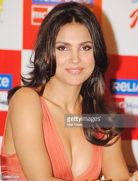 Lara Dutta at Heal With Lara Yoga Dvd Launch in Mumbai on November 17 2010