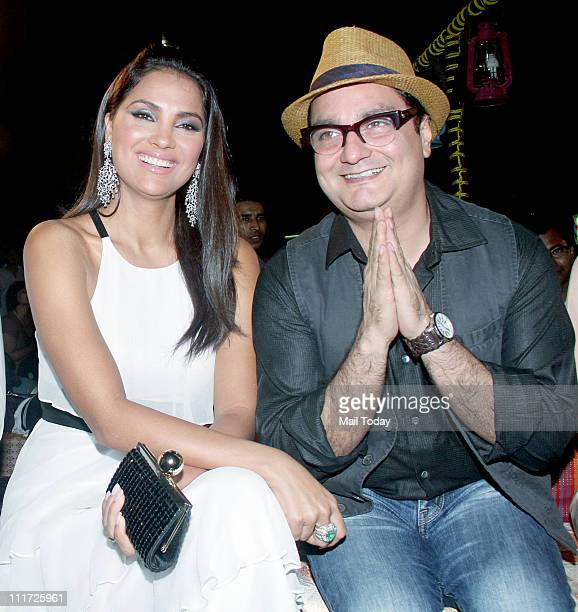 Lara Dutta with Vinay Pathak at the music launch of the movie 'Chalo Dilli' at Pritam Da Dhaba Mumbai on April 5 2011
